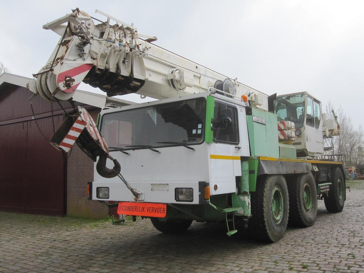 Grue mobile / Grue tout terrain Liebherr